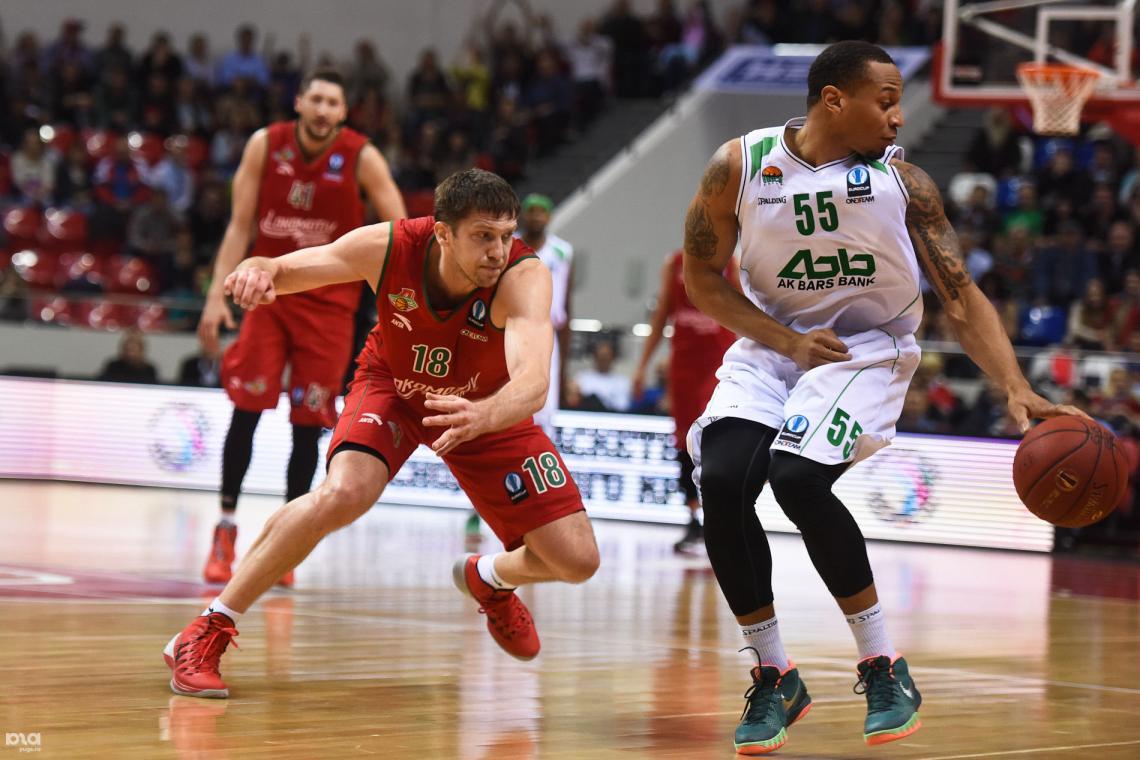Москвичи против казанцев в непростой баскетбольной борьбе